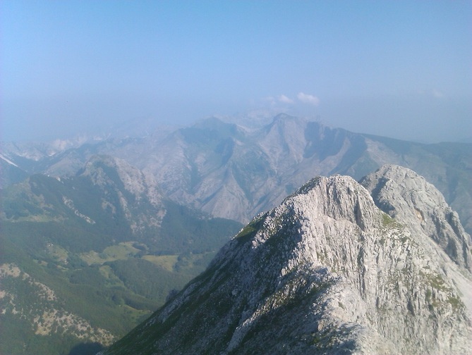 view across the Apuan Alps from Laia del CrocePicture